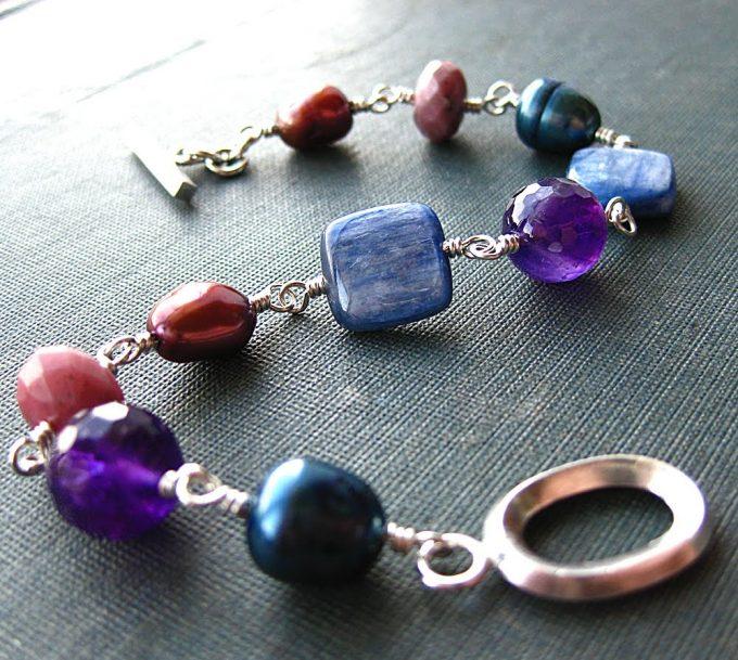 Accessoires bijoux fantaisie, on adore le toc