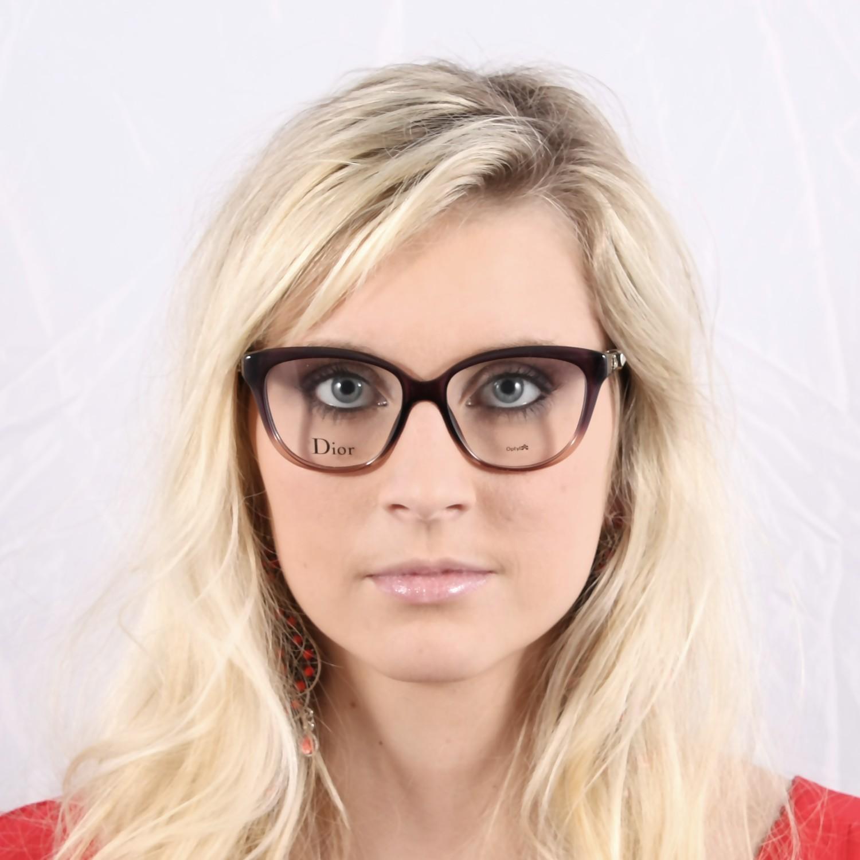 Comment se sentir belle en lunettes ?