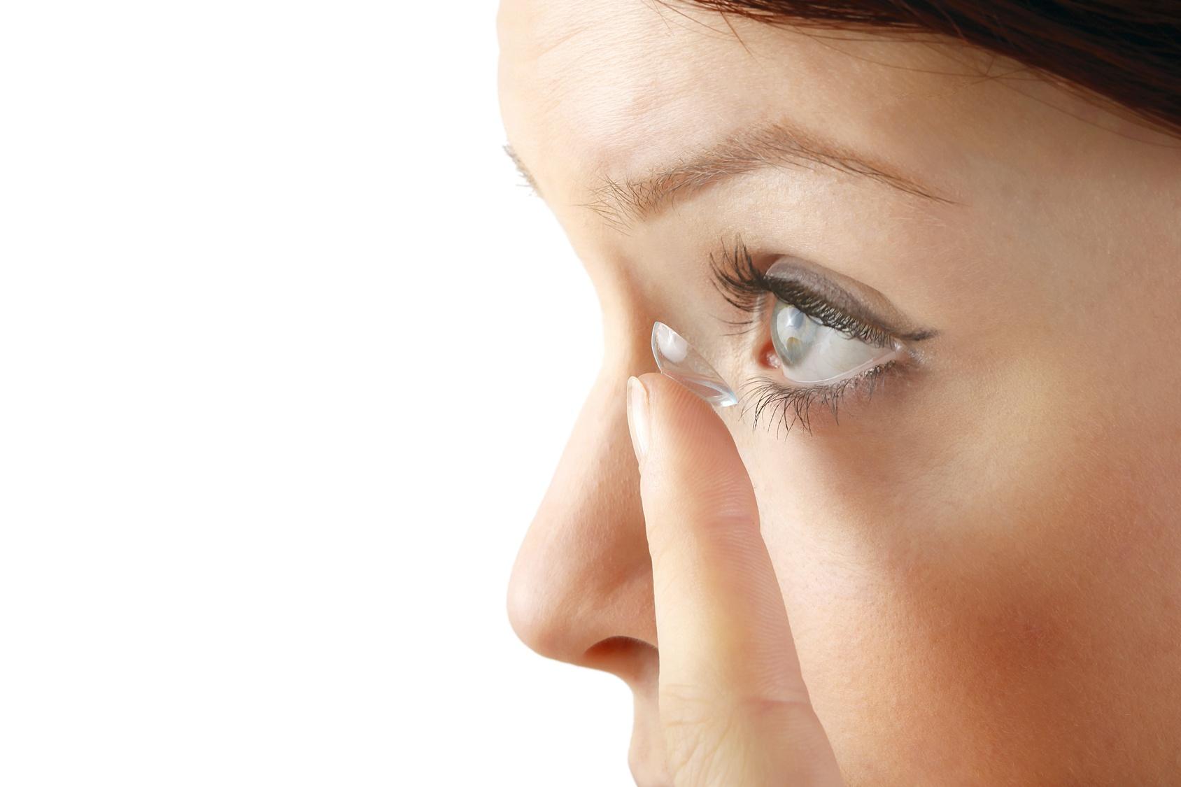 Lentilles de contact : corrige ta vue !